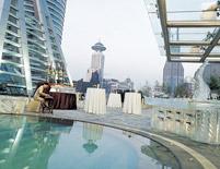JW Marriott Hotel Shanghai Swimming Pool