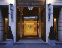 Park Hyatt Paris Entrance
