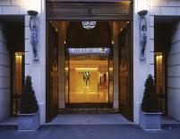 Park Hyatt Paris Entrance