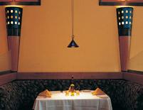 California Café Booth Table