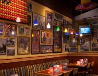 Red Robin Table and Booth